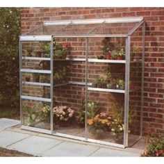 Why Lean To Greenhouse Are Best Suited for Small Gardens