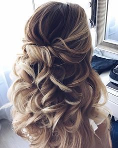 HALF UP HALF DOWN WAVES HAIRSTYLE – PARTIAL UPDO WEDDING HAIRSTYLE IDEAS. I like the twists and the volume #weddinghairstyles