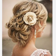 this with a birdcage veil... Cant wait!!!
