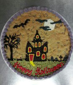 Halloween Giant Cookie Holloween Cake, Halloween Cake Pops, Halloween Sweets, Halloween Drinks, Halloween Cookies, Halloween Ideas, Happy Halloween, Cookie Cake Designs, Cookie Cakes