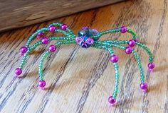 Beaded Spiders by PurpleDreamDesign Beaded Spiders, Wire Wrapping, Bobby Pins, Beading, Wraps, Hair Accessories, Beaded Bracelets, Insects, Creatures