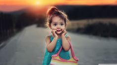 Desktop cute girl wallpaper hd cute_stylish_child_girl-wallpaper-1366x768