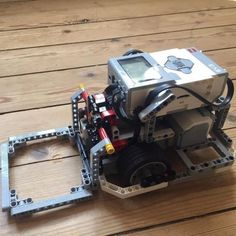 EV3Lessons.com   by Seshan Brothers