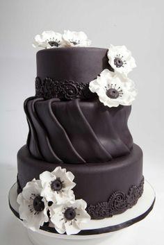 black and white cake-oh my this is gorgeous