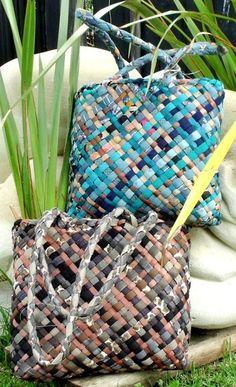 Tino Ataahua/Very Beautiful . Flax Weaving, Weaving Art, Basket Weaving, Hand Weaving, New Zealand Flax, Flax Fiber, High School Art Projects, Maori Designs, Maori Art