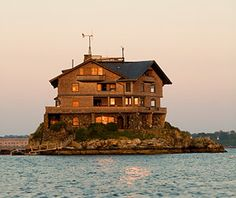 The old house and the sea. #NarragansettBay #RhodeIsland