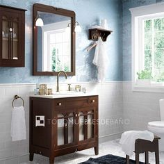 Mueble de baño de 2 puertas y 2 cajones acabado Nº 48 + encimera de mármol blanco con lavabo Rodeo de encastre + Espejo Lira + pareja de apliques de luz Campana acabado bronce
