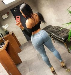 Superenge Jeans, Sexy Jeans, Hot Girls, Black Girls, Botas Sexy, Sexy Curves, Beautiful Black Women, Afro, Sexy Women
