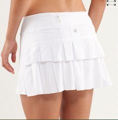 Lululemon Pace Setter Tennis Skirt White and size small(already tried one on)