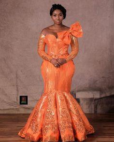 Fashion Ruk - Latest Asoebi Styles Try This Festive Season Aso-ebi styles African Lace Styles, African Lace Dresses, Latest African Fashion Dresses, African Dresses For Women, African Print Fashion, African Women, Ankara Fashion, Ankara Styles, African Wedding Attire