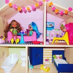 FLISAT Doll house/wall shelf Doll roombox, dioramas