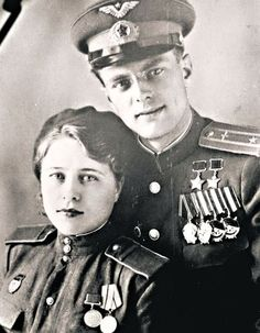 """We served in the same regiment he came in 1943, a second lieutenant, and by the end of the war was a major, squadron commander, Hero of the Soviet Union, twice awarded the"" Gold Star "". And I - Sergeant ""- says Catherine M., widow of the legendary pilot ¬-attack aircraft Anatoly Nedbailo (made ​​219 sorties. - Ed.). together with friends oruzheynitsa Kate engaged not women's work: hung from the IL-¬ 2 guns and bombs weighing 100-200 kg, and charged the pilots guns."