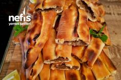Bafra Pidesi (Kapalı Pide) Enfes – Nefis Yemek Tarifleri – Vegan yemek tarifleri – The Most Practical and Easy Recipes Turkish Recipes, Travel Size Products, Bacon, Food And Drink, Cooking Recipes, Chicken, Breakfast, Hamburger, Create