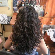 Long Layered Curly Hair, Layered Curly Haircuts, 3a Curly Hair, Shoulder Length Curly Hair, Brown Curly Hair, Colored Curly Hair, Haircuts For Curly Hair, Curly Hair Styles, Curly Girl