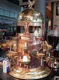 SteamPunk coffee machine - Freiburg Hauptbahnhof