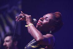 Janet Kumah, vocalista de The Delegators, en el Rototom 2014 - byTHEFEST
