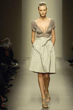 http://www.vogue.com/fashion-shows/spring-2007-ready-to-wear/bottega-veneta/slideshow/collection