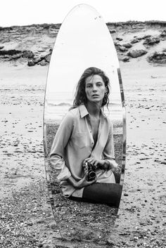 Daria Werbowy Self Reflects For Equipment Fall/Winter 2015 Campaign — Anne of Carversville Woman Mirror Photography, Reflection Photography, Photography Projects, Film Photography, Creative Photography, Concept Photography, Fashion Photography Inspiration, Photoshoot Inspiration, Foto Mirror