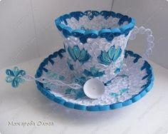 Quilling cup and plate – Quilling paper. (too much quilling? Arte Quilling, Paper Quilling Patterns, Quilled Paper Art, Quilling Paper Craft, Diy Paper, Paper Crafts, Creative Arts And Crafts, Fun Crafts, Quilled Creations