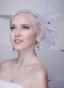 Celebrity makeup artist sarah uslan shows us a fresh and beautiful bridal makeup tips from a professional artist solutioingenieria Gallery