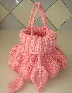 Сумочка с листьями для маленькой модницы. Очень красивая сумка спицами для маленьких принцесс