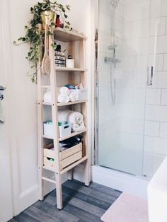 vilto ikea Green Apartment, Apartment Living, Casa Top, Ikea Bedroom, Declutter Your Home, Bathroom Interior Design, Home Decor Furniture, Home Organization, Home Remodeling