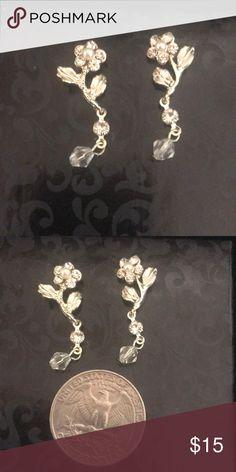 Bridal earrings Pretty bridal earrings. Gold. Jewelry Earrings