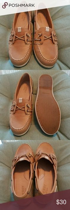Sperry Top-Sider Loafers Boat Shoes Tan Leather 10 SPERRY Top-Sider Boat Shoes Loafers Tan Leather woman's 10M worn once or twice in perfect excellent condition smoke free home. I am cleaning out my closet. Sperry Top-Sider Shoes Flats & Loafers