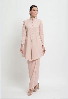 Stylish Dress Designs, Stylish Dresses, Women's Fashion Dresses, Kebaya Dress, I Dress, Muslim Fashion, Hijab Fashion, Suit Fit Guide, Casual Skirts