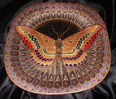 """Clase magistral en el arte de la pintura en """"punto a punto"""". Plate """"Butterfly""""   Manos Hábiles"""