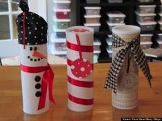 Recycled drink (Crystal Light) container makes a creative wrap for Christmas cookies or small gifts. Cute Christmas Cookies, Christmas Goodies, All Things Christmas, Holiday Fun, Christmas Holidays, Merry Christmas, Holiday Cookies, Pringles Dose, Pringles Can