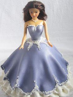 Emma's KakeDesign: Barbiekake med ballkjole