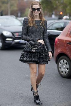 Chiara Ferragni did Chanel with chains. #theblondesalad #streetstyle #chiaraferragni