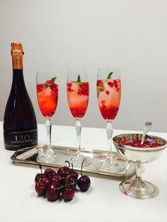 Aprenda a fazer um drink que vai abrilhantar o Réveillon. Veja: http://www.casadevalentina.com.br/blog/detalhes/drink-para-abrilhantar-o-reveillon---3103 #receita #recipes #drink #casadevalentina