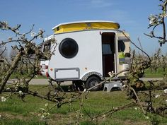 Unable to find a small camper that he liked, this Dutch man designed and built his own towable shelter for traveling.