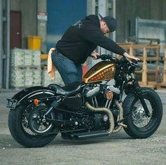 Harley Davidson News – Harley Davidson Bike Pics Softail Bobber, Hd Sportster, Harley Davidson Sportster 1200, Bobber Bikes, Harley Bobber, Chopper Motorcycle, Bobber Chopper, Harley Davidson Bikes, Motorcycle Garage