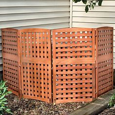 Natural 4-Panel Yard Privacy Screens for hot tub