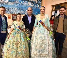 Les Falleres Majors visiten l'Hispagan Units pel bàsquet Gandia.  http://www.josemanuelprieto.es
