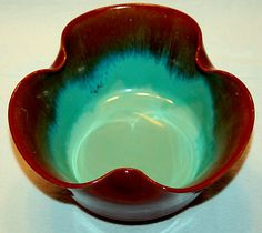 VINTAGE BURGUNDY TURQUOISE CHINESE ART POTTERY FOOTED BOWL WITH UNIQUE DESIGN