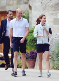 Kate Middleton Pictures and Photos - Getty Images William Kate, Prince William And Kate, Prins William, Duchess Kate, Duke And Duchess, Duchess Of Cambridge, Kate Middleton Pictures, Kate Middleton Style, Pippa Middleton