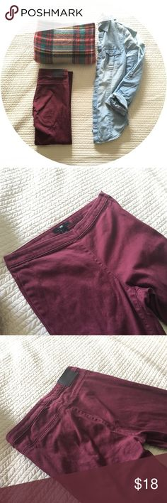 •H&M Burgundy Pants• Never worn, too big for me. Burgundy pant from H&M. Skinny fit. High waisted with a zipper/button closure on the side. H&M Pants Skinny