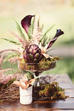 Protea is one of the latest trends in so have a look at the ideas to make your wedding super trendy! Protea bouquets are awesome and very original – Wedding Table Centerpieces, Floral Centerpieces, Floral Arrangements, Wedding Decorations, Protea Centerpiece, Centrepieces, Purple Centerpiece, Flower Arrangement, Table Decorations