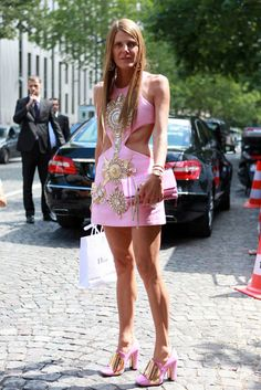 Fashion and Hair Trends : Anna Dello Russo Anna Dello Russo, Bikini Outfits, Vogue Japan, Spring Street Style, Diva Fashion, T 4, Magenta, Style Icons, What To Wear