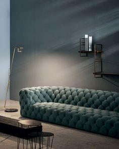 35 Beautiful Diy Sofa Design Ideas - 2020 Home design Pallet Furniture, Furniture Makeover, Living Room Furniture, Living Room Decor, Home Furniture, Furniture Design, Laminate Furniture, Furniture Dolly, Furniture Layout