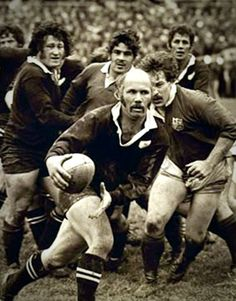 All Blacks scrum-half Sid Going makes a break Rugby League, Rugby Players, Meet The Team, A Team, Rugby Nations, Rugby Men, Rugby Sport, All Blacks Rugby Team, Watch Rugby