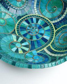 Mosaikkunst-türkise Mosaik Schale, Schüssel, akzentuiert mit Kupfer Spirale…