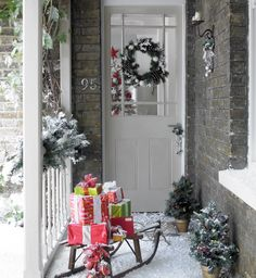 CHRITMAS Morning, Santa leaves sled full of presents ...  Good tradition to start