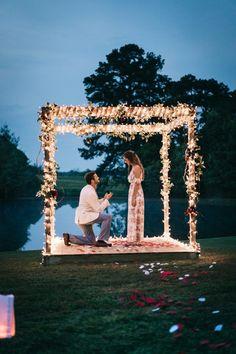 Capture the Surprise! 25 Romantic Proposal Photos That Show Authentic Love! Cute Proposal Ideas, Proposal Pictures, Romantic Proposal, Perfect Proposal, Romantic Weddings, Wedding Pictures, Love Proposal, Surprise Proposal, Amazing Weddings
