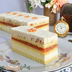 Prajitura Entremet cu gutui ciocolata si nuca Best Pastry Recipe, Pastry Recipes, Sweets Recipes, Cookie Recipes, Snickers Cheesecake, Cake Decorating Piping, Sweet Bakery, Biscuit Cookies, Mocca