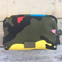 . Gigi tropea  Shop on line FARFETCH VALENTINO €340